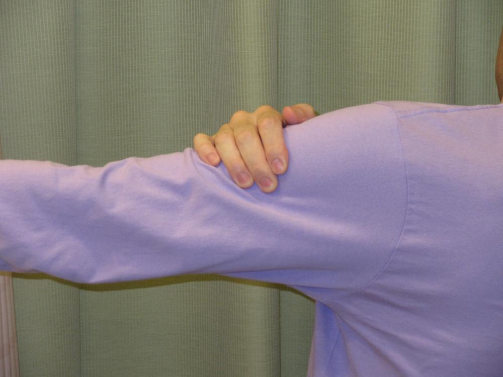腕~肩~背中、肩甲骨周りが痛い